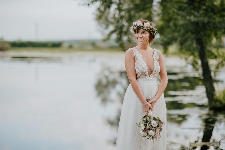 Sesja ślubna z huśtawką i łódką - Żurawie Gniazdo, Maleszowa, Kielce 18