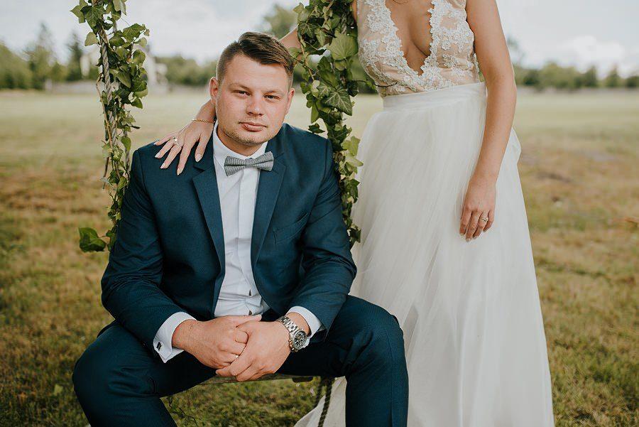 Sesja ślubna z huśtawką i łódką - Żurawie Gniazdo, Maleszowa, Kielce 8