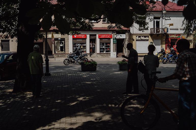 Paulina i Emil - Reportaż ślubny - Restauracja Leliwa Końskie 39