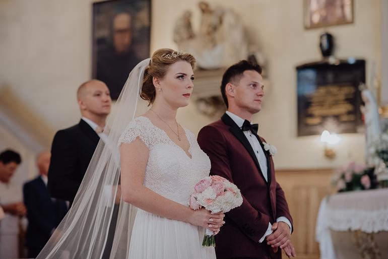 Paulina i Emil - Reportaż ślubny - Restauracja Leliwa Końskie 52