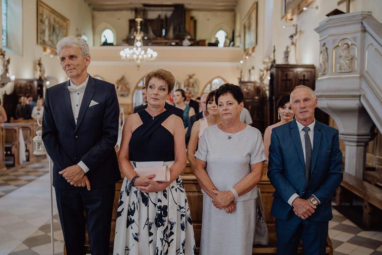 Paulina i Emil - Reportaż ślubny - Restauracja Leliwa Końskie 56