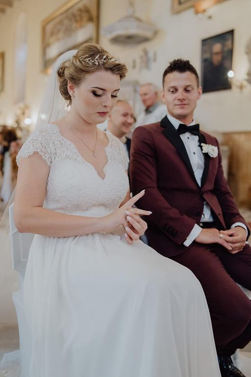 Paulina i Emil - Reportaż ślubny - Restauracja Leliwa Końskie 74
