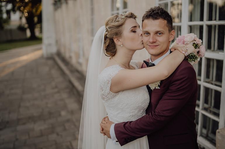 Paulina i Emil - Reportaż ślubny - Restauracja Leliwa Końskie 98